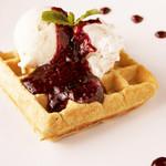 未来食カフェレストラン つぶつぶ - ブルーベリーワッフル