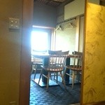 魚匠 銀平本店 - カウンターから見たテーブル席