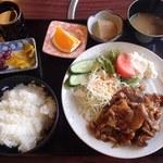 末広 - 料理写真:月曜の日替わり定食、豚味噌炒め(500円)※税別