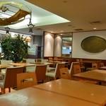 カフェ カレー王国 - 店内。