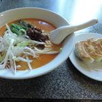 天鴻餃子房 - 坦々麺と餃子セット