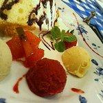 おもてなし厨房 Bon appetit! - デザートのシフォンケーキとアイス三種