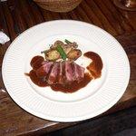 ラスティックハウス - 本日のメイン-神戸牛のロースト、赤ワインソース