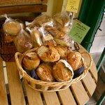 アンジェリック ベベ - 並べられているパン