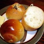 ケンハウス - ランチのパン
