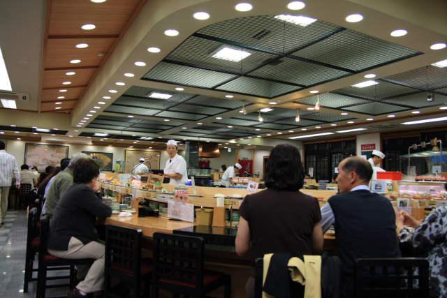 ジャンボおしどり寿司 日野本店