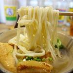 沖縄料理 新風 - 沖縄そば 850円 + 大盛 300円