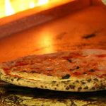 ラ・ベルデ - 石窯で焼き上げる、本格ナポリピッツァ♪
