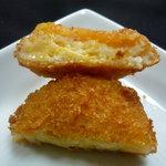 水野家 - 料理写真:☆チーズコロッケの中は混ざり具合がGood!!(≧▽≦)~♡☆