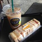 タリーズコーヒー - アイスEソイラテ530円、セレクトサンド シュリンプチキン380円