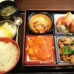 26013768 - デラックスA定食(1490円)
