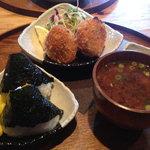 米手 - 料理写真:米手コロッケ&おむすび 750円☆(第一回投稿分②)