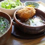 あさり食堂 - 煮込みハンバーグと自家製コロッケ<ランチ限定> 850円(税込)