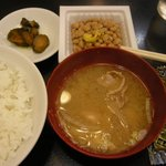 スタミナラーメン蔵王 - (2009/8月)定食に付いていたみそ汁、納豆、味付海苔、ご飯