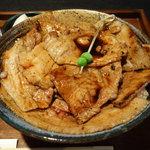ブタリアンレストラン - 豚丼アップ