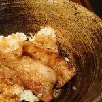 ブタリアンレストラン - 豚丼の深~い丼