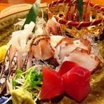 ひで松  - 刺身6種盛り!桜鯛昆布〆ウマァァ!