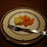 バー エルラギート - 「グリュイエールのミモレット  チーズ」       2014年2月