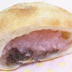 ととパン - 粒が細かく色の濃い昔風の桜餅がインw☆♪