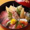 魚寅鮨 - 料理写真:魚寅ちらし