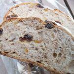 イエローナイフ - 天然酵母フルーツパン(フル¥480)