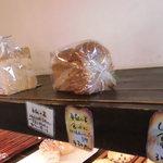 26037252 - 食パン