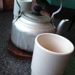 萬松 - 熱々のお茶を運んでくださいました