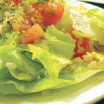 天安門 - レタスとトマトの・・・炒飯です。