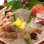 松田屋 - 刺身盛り❗️ガス海老を入れてってお願いしました。 甘くて美味しい(^^) 酒は常山無濾過生々( ^ ^ )/■