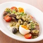 ラ ココリコ - 豚タンのコンフィ。半熟卵と、爽やかドレッシング