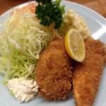 とんかつ 安右衛門 - 魚フライ定食       鮭と鱸(すずき)