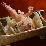 日本料理 日の出 - 活車海老の天ぷら