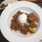 キッチンデミグラ - 辛! 彩り野菜のキーマカレー