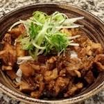 神虎 - チャーシュー丼250円