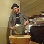 アネア カフェ - グラノパダーノでリゾット作り