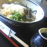 手打めん処 土佐更科 - 伊吹そばの更科を注文!山菜がたっぷりでコシがしっかり!770円です。