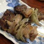 たかはしもつ焼き店 - カシラは都内ヤキトン屋でいうフランス(やや脂身の多い部分)