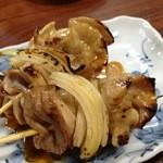 たかはしもつ焼き店 - サラリとした上品なタレをくぐったシロ:半生玉ねぎは九州を想い出す