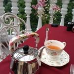 ローズタウンティーガーデン - 茶葉を自分で選べるティー。