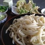よってきましょ もえぎ亭 - もえぎうどんと天ぷら、もえぎとうふのセット1000円