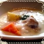 SIX 6 - 週替わりスープ★豆乳のクリームシチュー★