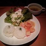 レイジーカフェ - ガーリックシュリンプ¥750(消費税8%込)