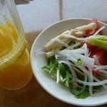 練馬展望レストラン - ジュースとサラダ