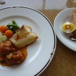 練馬展望レストラン - 限定!週替わりランチ、カレイの照り焼きと若鶏の唐揚げ甘酢ソース