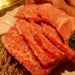 焼にく 和牛食堂 - 「極味」常陸牛のササミと「極味」史上最強カルビ