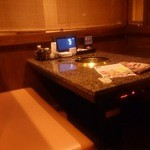 焼にく 和牛食堂 - テーブル席