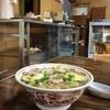Maruichiseimenjoshokudou - 料理写真:なかなかお母さんが出て来なくて焦ったけど、奥で掃除してたそうな(笑)。オーダーは一番人気の「ちゃんぽん(500円)」。具材たっぷり、自家製麺もどんぶり鉢にギッシリ。お腹いっぱいになれる品♪