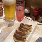 あかずきん - しそ巻きギョーザ、生ビール、カムカムサワー