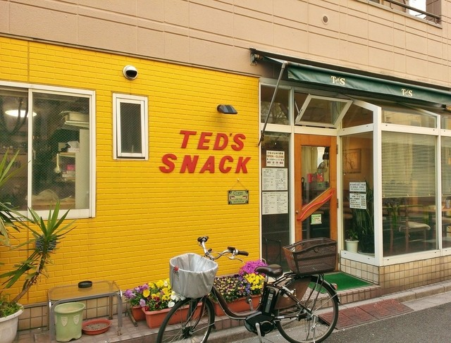 TED'S SNACK - 店舗入口