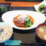 旬穀旬菜カフェ - 10月A膳 栗と鶏肉の煮込み